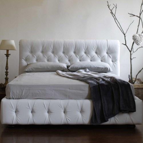 Кровать Честер из массива