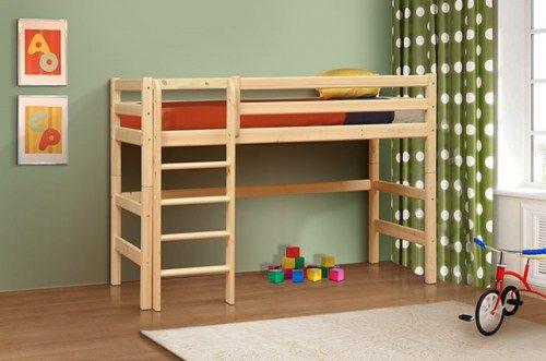 Кровать детская из массива