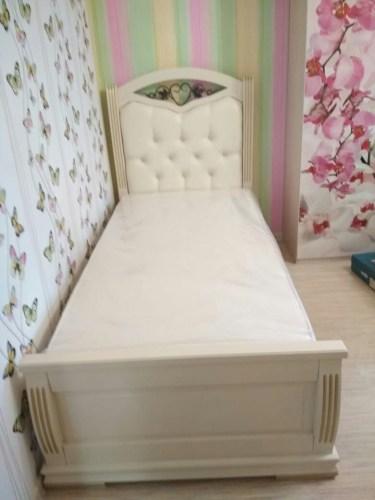 Кровать Сиена с мягкой вставкой и ковкой из массива