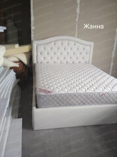 Кровать Жанна из массива
